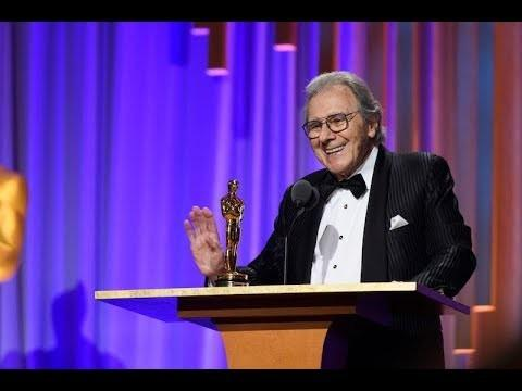Daylightpeople.com Lalo Schifrin receives an Honorary Award at the 2018 Governors Awards