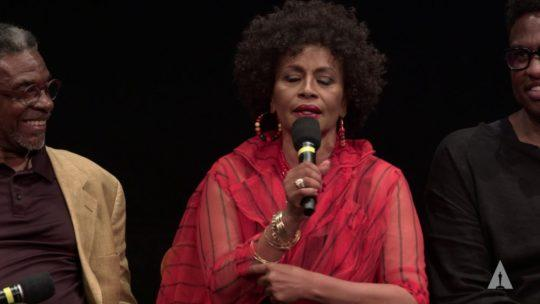 "Daylightpeople.com ""The Princess and the Frog"": Jenifer Lewis Channels Moms Mabley"